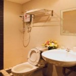 Bathroom Rose Cottage Hotel Bandar Seri Alam