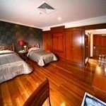 Premier-Deluxe-Room