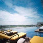 Traders Hotel Rooftop Infinity Swimming Pool